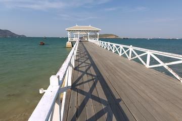 タイ国チョンブリー県、シーチャン島の白い桟