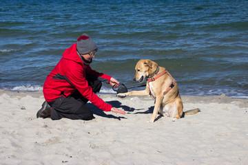 Am Strand mit ihr