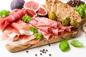 Italienische Antipasti Wurst mit Feigen