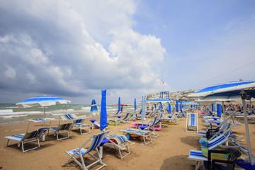 il mare in Puglia, Peschici con le nuvole