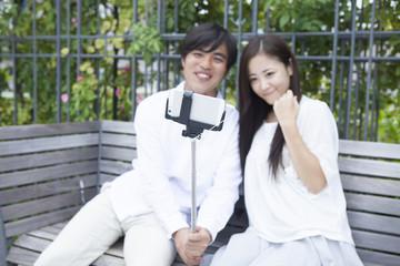 若い男女のカップル