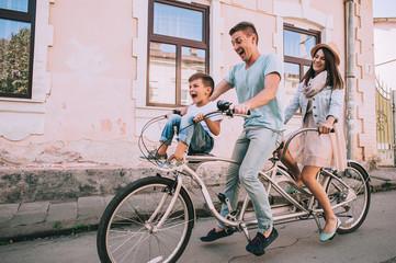 family bike tours Double