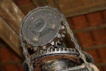 Zahnräder einer alten Maschine