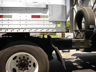 18 wheel semi truck close up