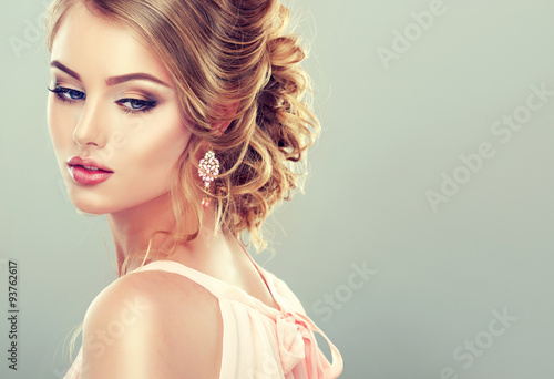 Натуральный каштановый цвет волос фото