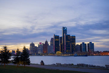 Detroit skyline with the world headquarters for General Motors C