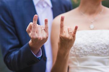 hands newlywed