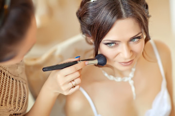 wedding make up to beautiful bride