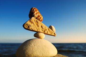 Well-balanced of pebbles