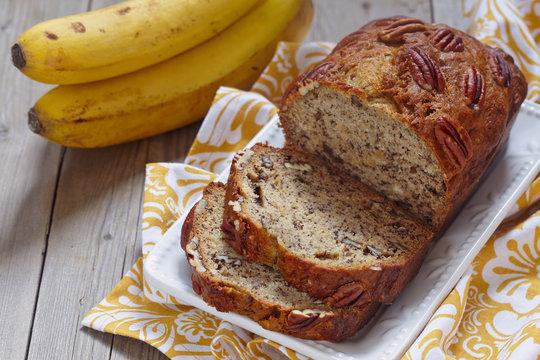 Banana bread with pecan