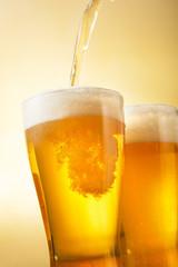 ビール Beer into glass