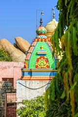 Fototapete - Small temple in Hampi, India.