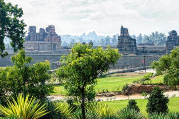 Fototapete - Ancient ruins of Vijayanagara Empire in Hampi, Karnataka, India.