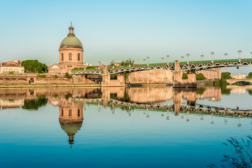 The Saint-Pierre bridge in Toulouse, France.