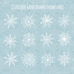 Set mit 12 handgezeichneten Schneeflocken und Schneeflocken-Hintergrund-Muster