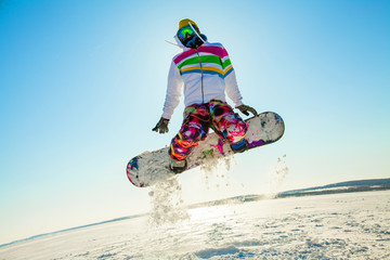Extreme winter on snowboard