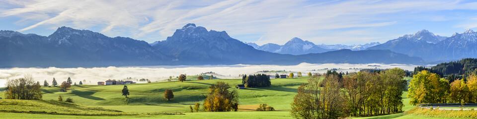 Wall Mural - Herbstnebel über dem Forggensee im Ostallgäu
