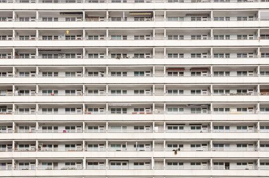 Hochhaus mit Wohnungen und Appartments in Berlin