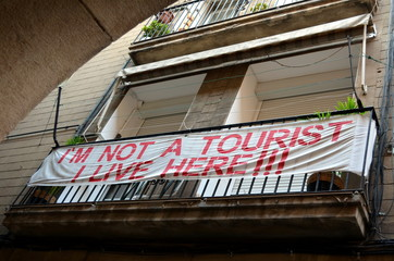 Barcelona balcony protest sign I'm not a tourist I live here!!!