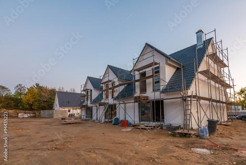 Modernes wohnhaus im bau stockfotos und lizenzfreie for Modernes wohnhaus