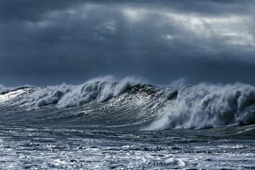 Big stormy waves Wall mural
