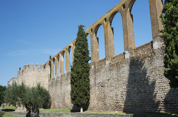 old aquaduct evora