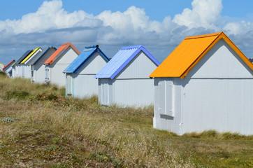 Cabanes de plage à Gouville-sur-Mer (Manche-Normandie)
