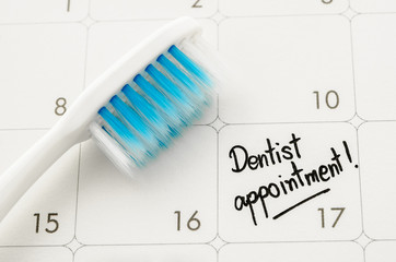 "Reminder ""Dentist appointment"" in calendar."