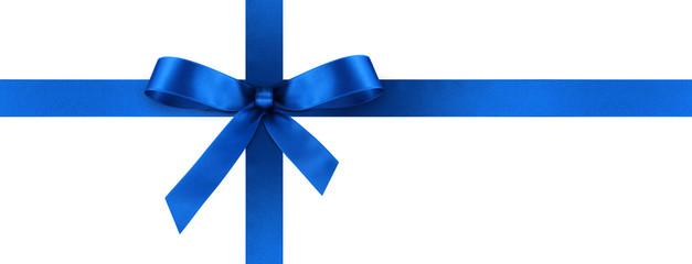 Blaue Geschenkschleife und Geschenkband aus blauem Satin Panorama - Geschenk, Schleife, Band - Isoliert - weißer Hintergrund. Banner Vorlage für Grußkarten und Postkarten.