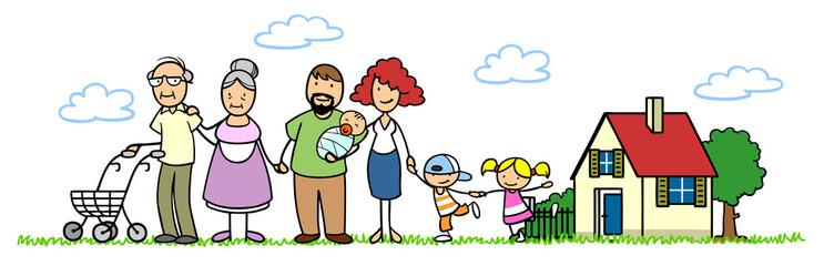 Familie mit Baby und Senioren vor Haus