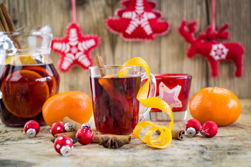Mulled red wine with Christmas decorations