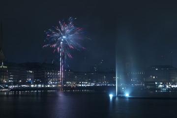 Feuerwerk an der Alster