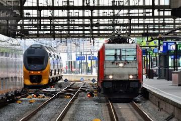 アムステルダム中央駅の列車