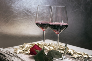Valentines date decoration - Wine glasses