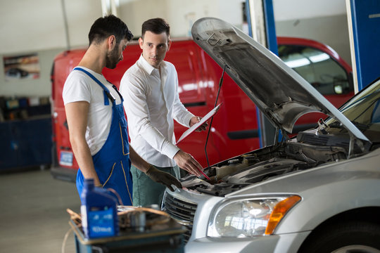 Mechanic inspection with manager