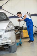 auto mechanic manual lift car