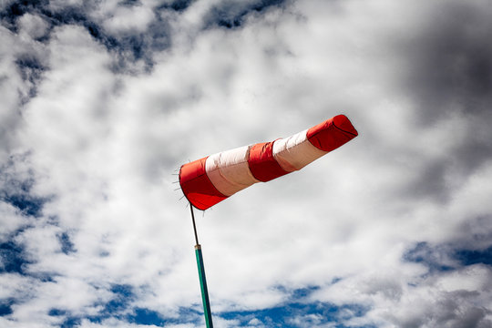 Wind direction indicator