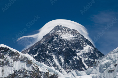 Fotobehang Mount Everest in the Clouds - Nepal