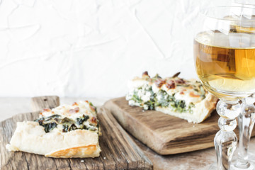 quiche with spinach and feta cheese