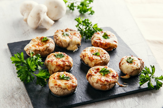 baked mushrooms stuffed with cheese