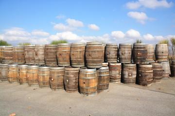 barriles de madera para el vino