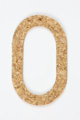 Dettaglio di numero realizzato in sughero