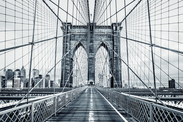Black and white Brooklyn Bridge