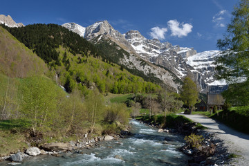 Hiking trail to the cirque of Gavarnie in Pyrenees