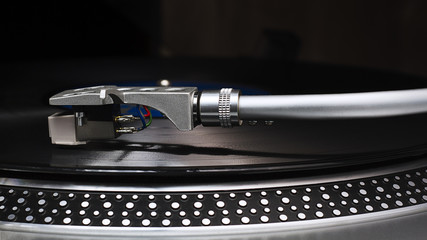 Disco de vinilo y tocadiscos II / Vinyl record and record player II