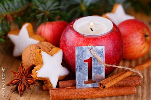 Erster advent nat rliche dekoration mit apfel und for Apfel dekoration