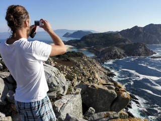 Man taking picture of cies island