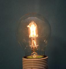 Halogenlampe leuchtend (05)
