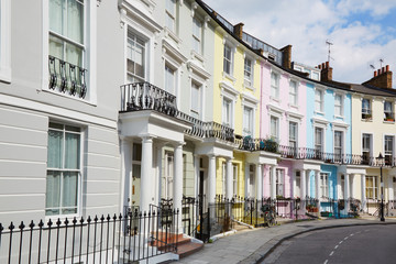 Fotobehang Londen Colorful London houses in Primrose hill, english architecture