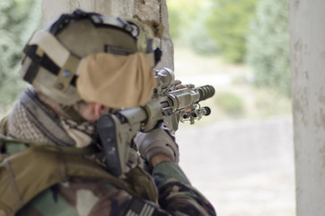 Soldier sniper targeting